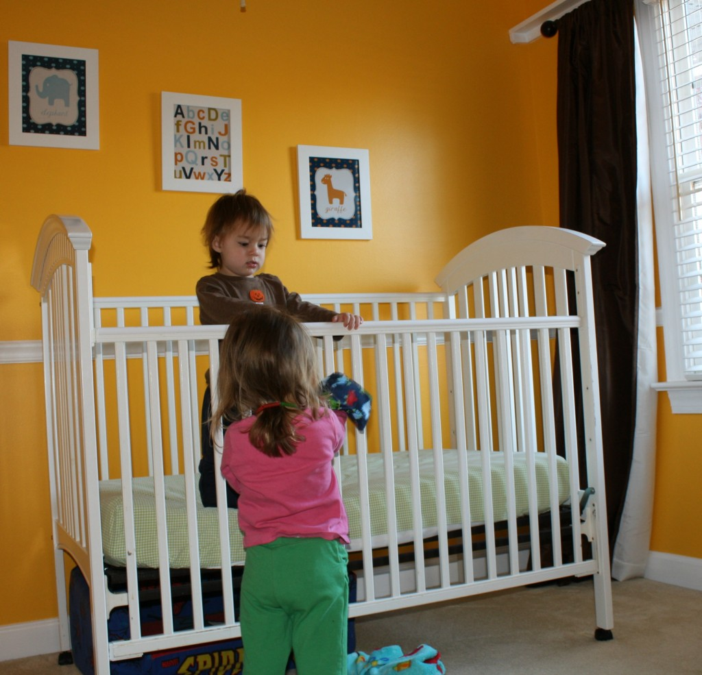 levana camera video monitor review giveaway. Black Bedroom Furniture Sets. Home Design Ideas
