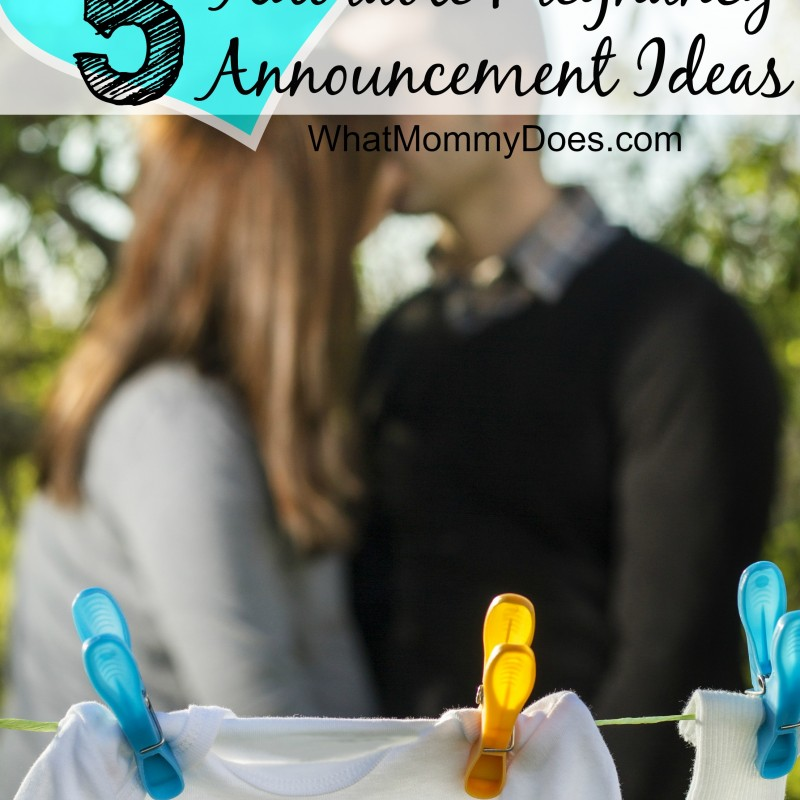 Five adorable & funny pregnancy announcement ideas! These are creative ways to announce your pregnancy on Facebook and in person to family, friends, your parents. I love #5 for your first pregnancy and #3 is a classic sibling / 2nd or 3rd baby reveal idea.
