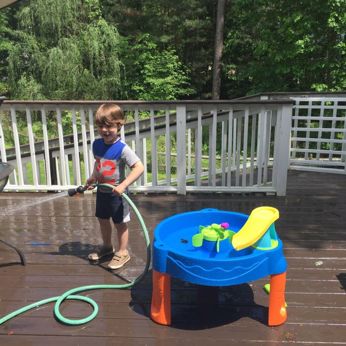 Finding Dory Water Table for Toddlers