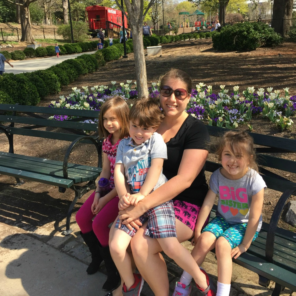 How to Find Time to Blog (as a busy mom!) - What Mommy Does