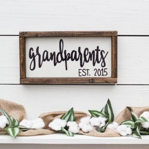 Gifts for expectant grandparents - wooden sign announcing pregnancy to grandparents